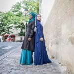 Trench Dana Noir et Jupe Narjisse Vert Pin & Abaya Anastasia Bleu Marine - Misstoura